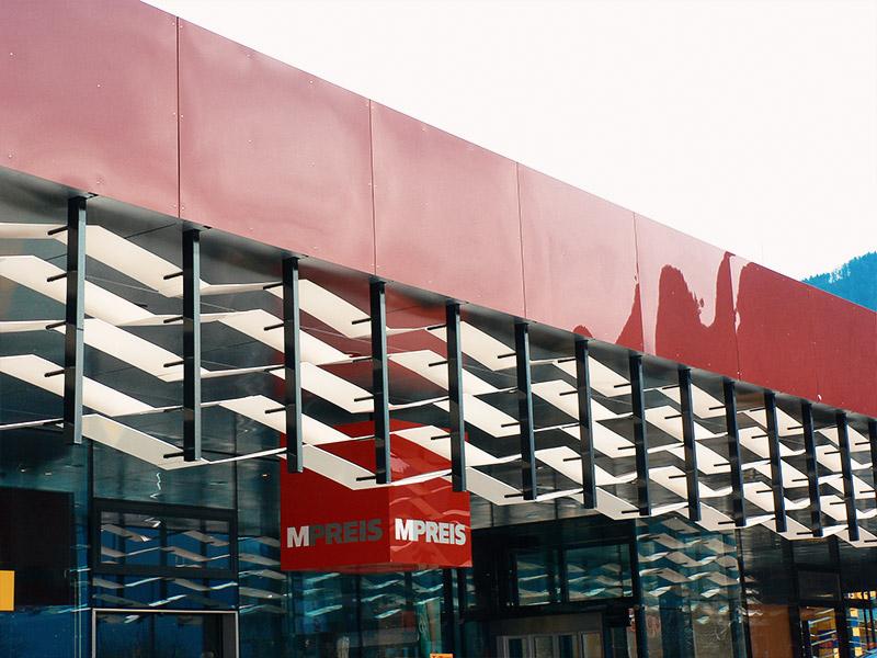Kunststoff in der Architektur - MPREIS